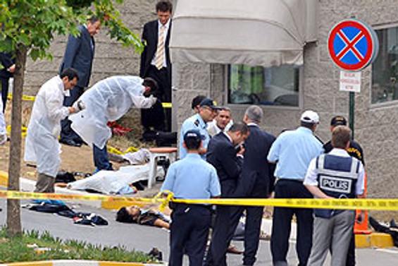 Hakkari Emniyeti'ne roketatar saldırısı