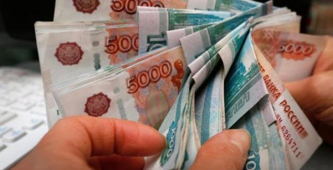 Rusların rubleye güveni artıyor