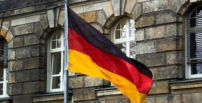 Almanya'dan peşmergeye silah sevkiyatı