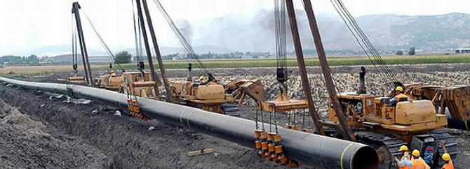Çin ve Myanmar'ın enerji boru hatları hazır