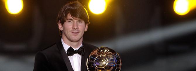 Messi, Barcelona'da 300 golü geçti