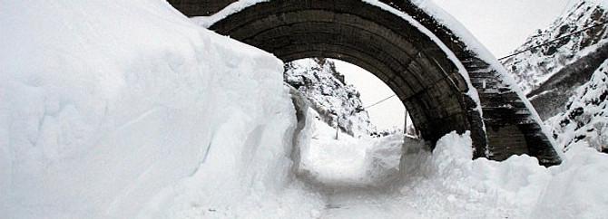 Tunceli'de 106 köy yolu kar nedeniyle ulaşıma kapandı