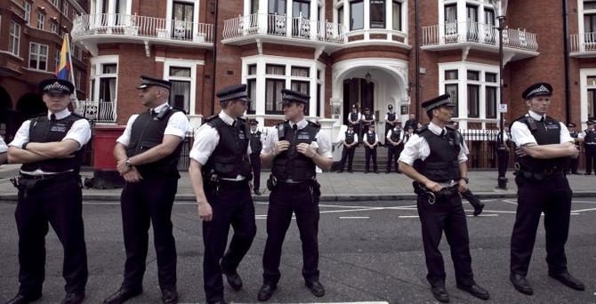 İngiltere'de terör alarmı verildi