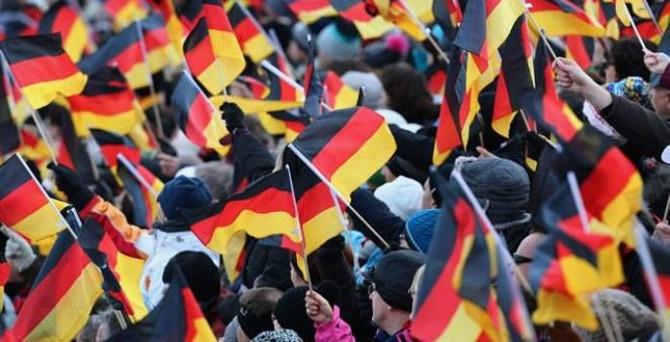 Almanya'da hizmet PMI beklentinin altında