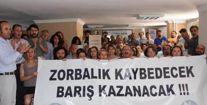 'Barış Bildirisi İmzacısı' 21 akademisyen uzaklaştırıldı