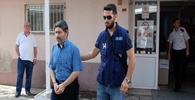 Eski rektör tutuklandı