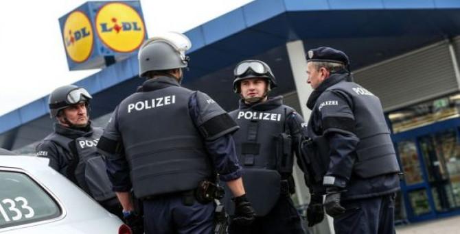 Almanya oturma iznini sertleştiriyor