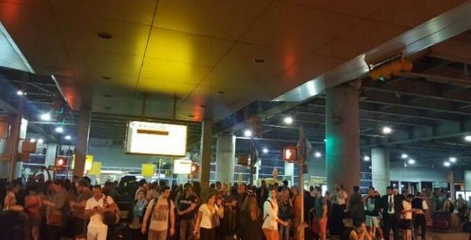JFK havalimanında 'silah sesi' paniği
