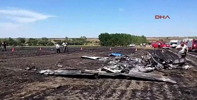 Eğitim uçağı düştü: 2 ölü