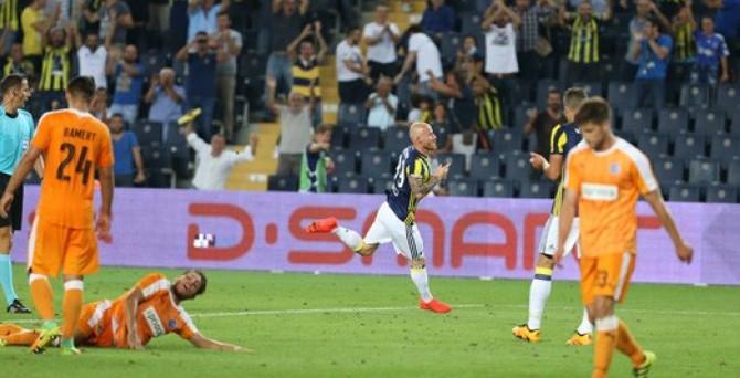 Fenerbahçe UEFA'nın manşetinde