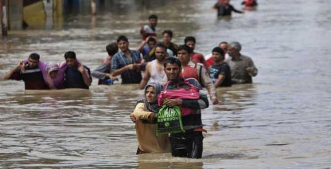 Hindistan'da sel felaketi:17 ölü