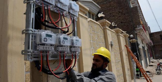 Çin şirketleri Pakistan'ın elektriğine talip