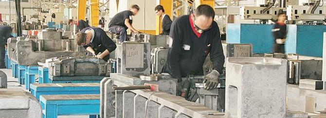 Sanayide istihdam %3,7 arttı