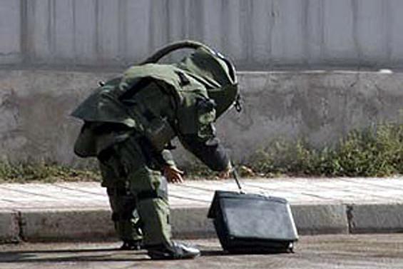 Diyarbakır'da şüpheli paketten el bombası çıktı