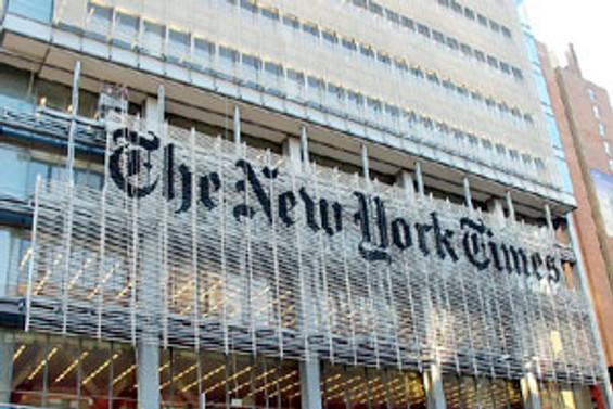 New York Times: Türkiye'de demokrasi eşikten döndü