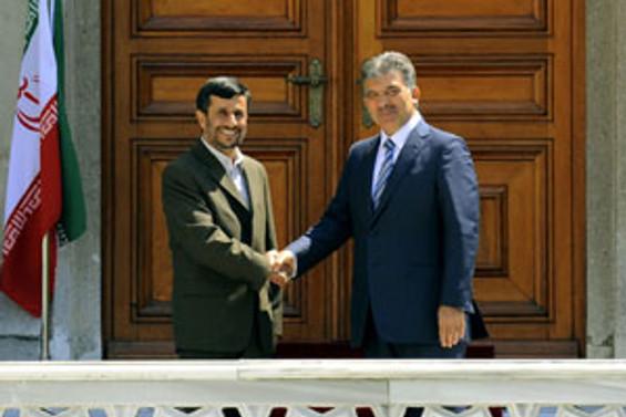 Ahmedinejad, İstanbul'da