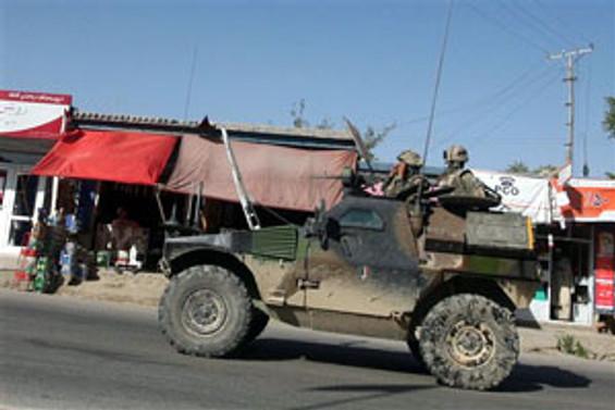 Afganistan'daki NATO birliklerine ikmal durduruldu