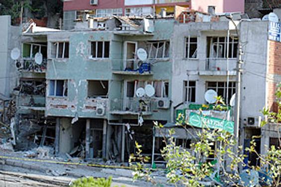 İzmir'deki patlamada yaralı sayısı 16