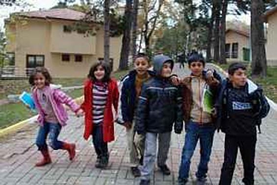 Yeni yılda 40 bin yetim çocuğa ulaşacak