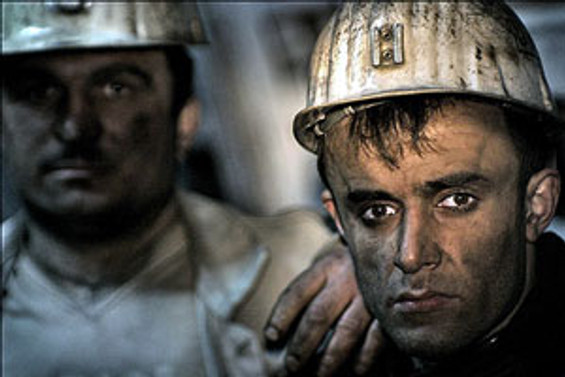 Üç madenciye hala ulaşılamadı