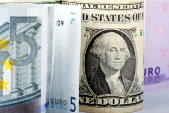'Yeni yılda dolar, euroyu ezer'