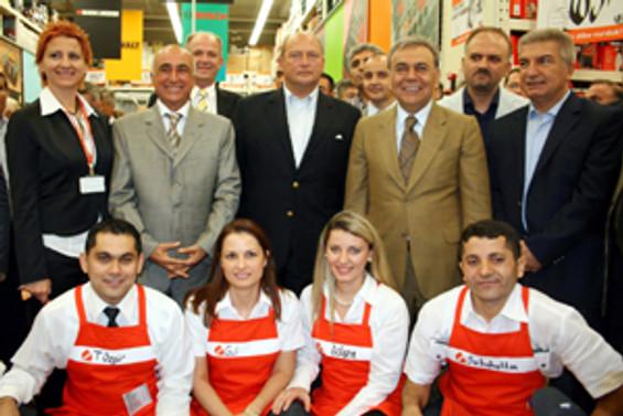 Koçtaş 19. mağazasını Çiğli'de açtı