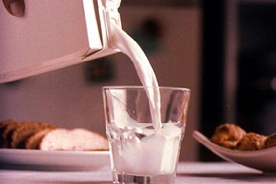 Sahurda süt içerek tok kalın