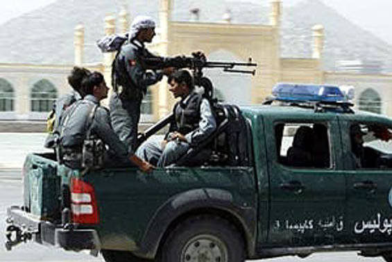 Pakistan'da çıkan çatışmada 13 kişi öldü