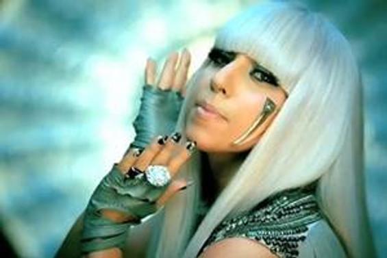 Lady Gaga 144 kişilik ekibiyle geliyor