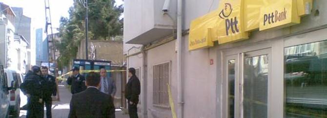 Bakırköy'de PTT şubesinde soygun