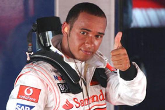 Singapur Grand Prix'sini Hamilton kazandı