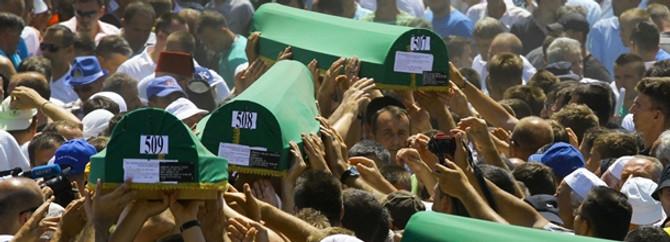 Dünya Srebrenitsa'dan ders çıkarmadı