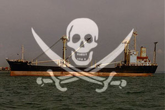 Korsanlar yük gemisi kaçırdı