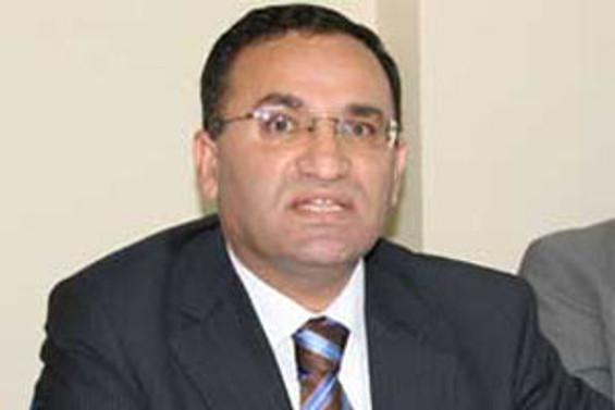AKP, Anayasa için muhalefetten randevu istedi