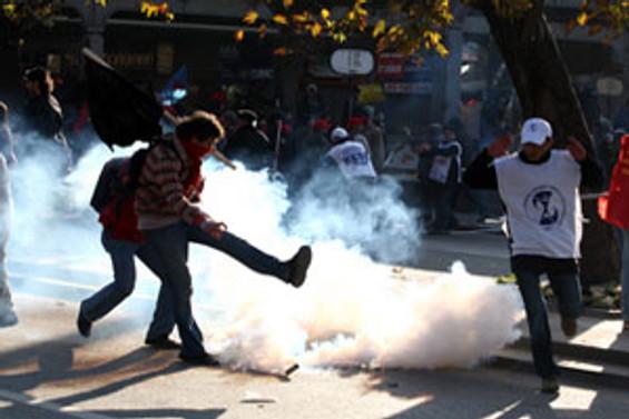 Başkent'te olaylı miting