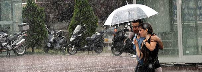 Yağış İstanbul'u terk etmeyecek