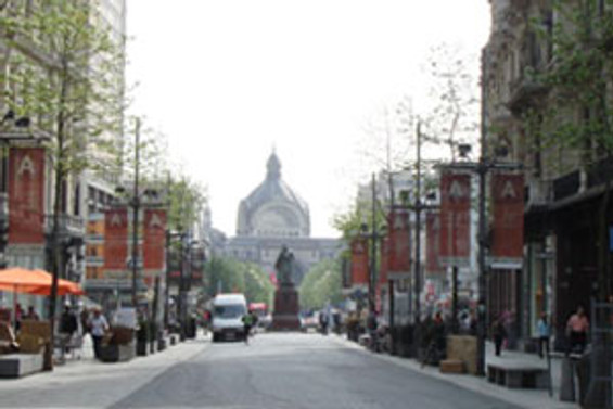 Belçika'da başbakanlık Fransızlara geçiyor