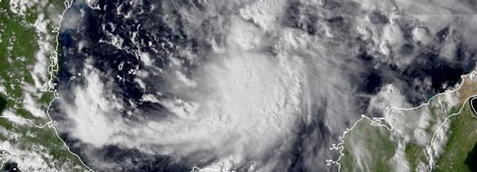 'Sandy hala esiyor'