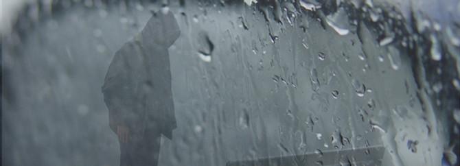 Batıda yağış sürüyor