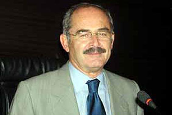AKP'den Büyükerşen'e suç duyurusu