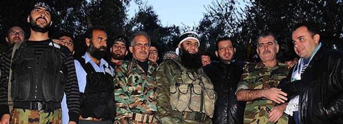 Suriyeli muhaliflere TSK üniforması iddiası