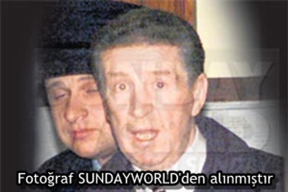 İrlanda'nın 'babası' Eamon Kelly öldürüldü