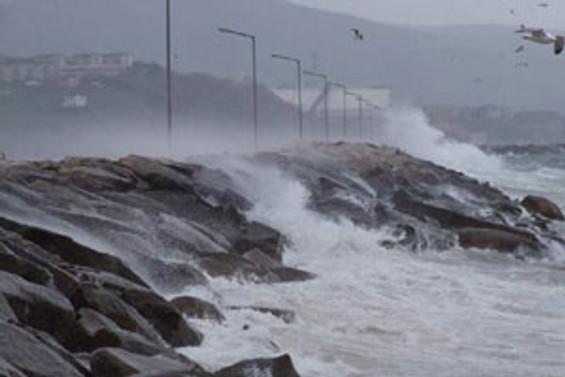 Kuzey Ege'de deniz ulaşımı yapılamıyor
