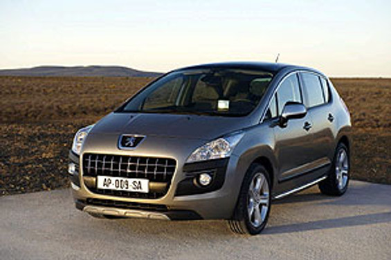 Peugeot, yeni modeli 3008'i teleferikle uçurdu
