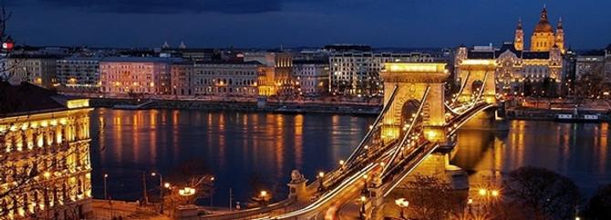 Macaristan'da Tuna nehri taştı