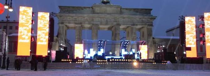Brandenburg Kapısı önünde kutlayacaklar