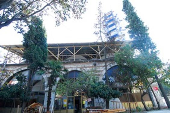 Atik Ali Paşa Camii, yıpranmış görüntüsünden kurtuluyor