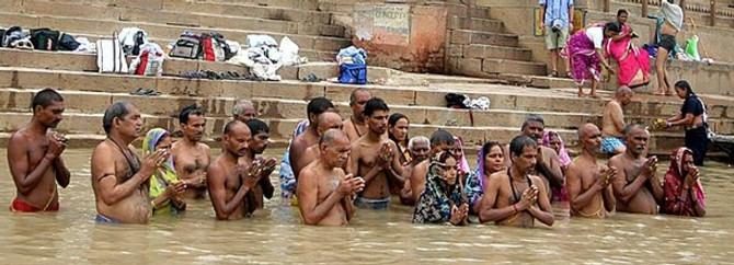 120 milyon Hindu günahlarından arındı