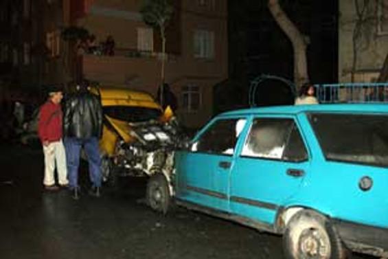 Mersin'de 3 araç kundaklandı