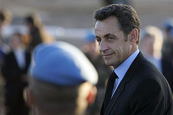 Sarkozy geri adım atmıyor